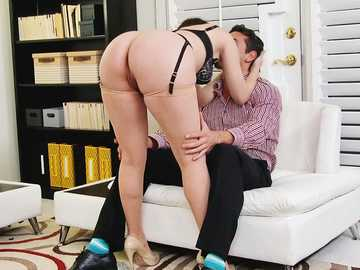 Dana Dearmond gets licked from behind and does creative blowjob
