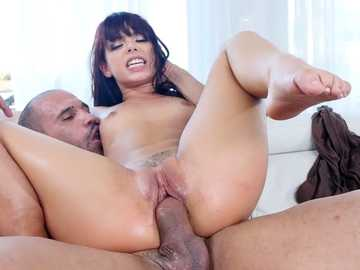 Fiery Latina Gina Valentina is stretched by the hungry male with huge meat roll