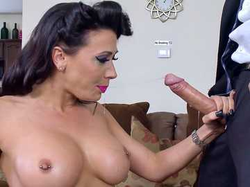 Fake-titted brunette Rachel Starr plays with penis of Keiran Lee
